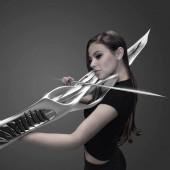 MONAD Studio Releases 2-String Piezoelectric Violin Worthy of Sci-Fi Movie