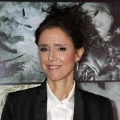 Director Julie Taymor poses at the premiere of her film ''The Tempest'' in Hollywood December 6, 2010.