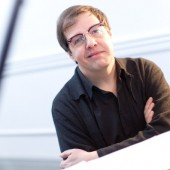 EXCLUSIVE: Bruce Brubaker On New Philip Glass Record 'Glass Piano, Talks New England Conservatory and Why Le Poisson Rouge is His Favorite Downtown Dwelling