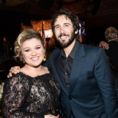 Watch Josh Groban and Kelly Clarkson Perform 'All I Ask of You' Cover on PBS