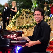 Celebrities Attend 'Disney Parks Christmas Day Parade' 2009
