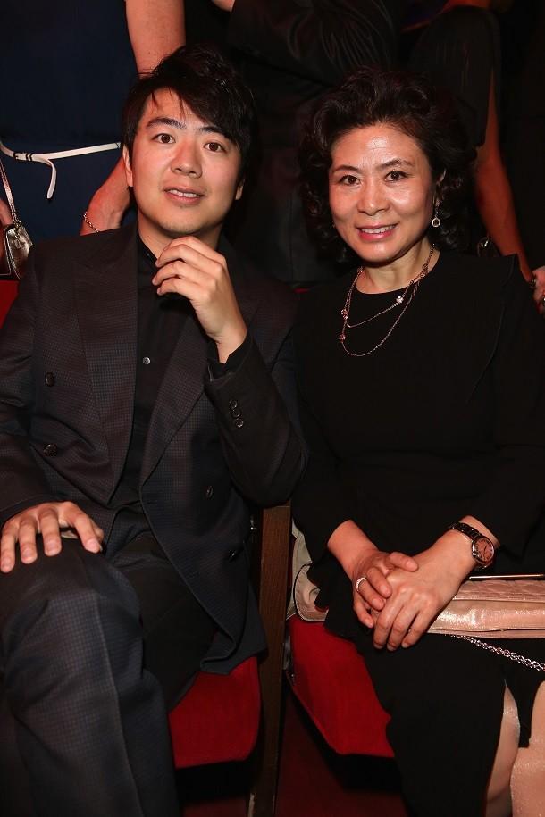 Watch Lang Lang Perform Alongside an Orange on Skavlan Talk Show