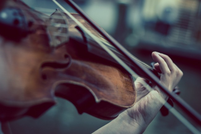 For college students to know: classical music can help you to study